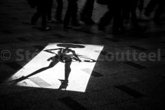 Ombre pas chinoise sur les Champs Elysées