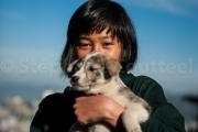 Akokla et son chiot - Nagaland - Inde