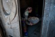 Vannage du riz dans une grange - Nagaland - Inde