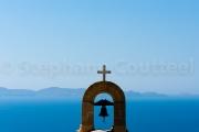 Cloche et croix chretienne sur azur - Crete