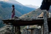 L'enfant et l'oiseau à l'aurore - Tarakot - Dolpo - Népal