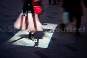 Ombre et pas de chinoise sur les Champs Elysées - Paris